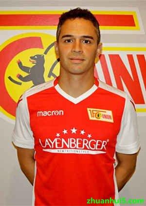 施米德巴赫将为柏林联合租借效力至明年6月30日,他将身披24号球衣.图片